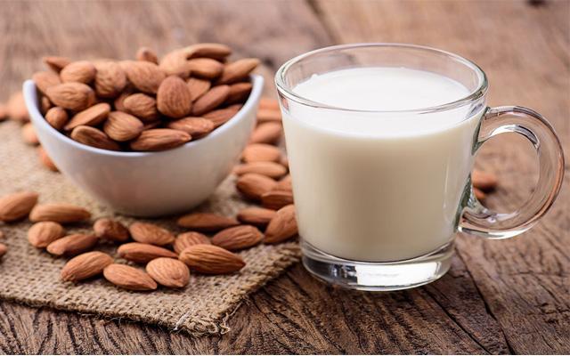 9 lợi ích sức khỏe của sữa hạnh nhân