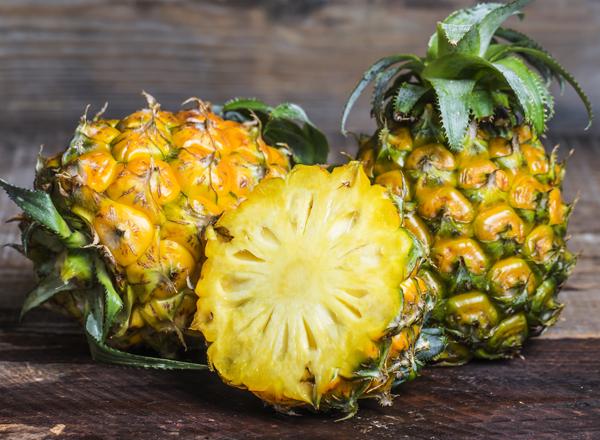 Dứa Cung cấp mangan và vitamin C